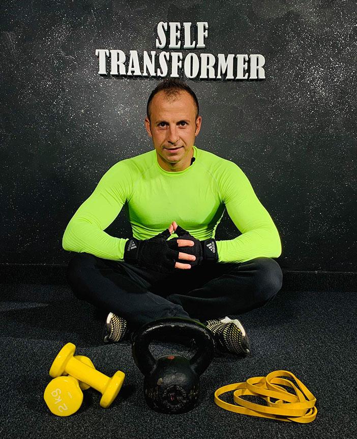 self transformer narcis cernea)