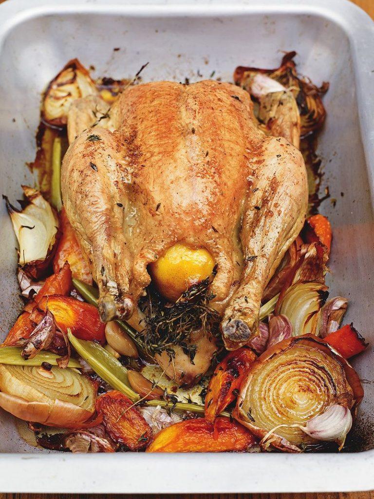 Puiul la cuptor mai ușor pe masa de sărbători